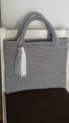 Handmade crochet bag from rope will be the best accessory or a gift for you or your friend! This stylish handbag just begs to be with you on holiday. Size: height 26 cm in], width 32 cm in] The length of the handle 27 Crochet Shell Stitch, Crochet Tote, Crochet Handbags, Crochet Purses, Diy Crafts Crochet, Diy Braids, Crochet Braids, Purse Patterns, Crochet Videos