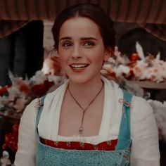 Emma Watson Beauty And The Beast, Beauty And The Beast Movie, Emma Watson Beautiful, Emma Watson Bela, Ema Watson, Pretty People, Beautiful People, Harry Potter Girl, Disney Icons
