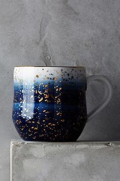 shaded navy blue through to soft white with gold flect waisted mug