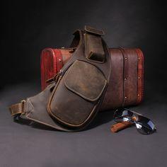 Men Cross-body Bag Crescent Retro Leather Chest Pack Package Messenger