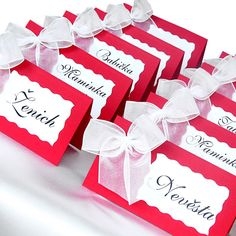 svatební jmenovky - Hledat Googlem Our Wedding, Dream Wedding, Ideas Para, Color Schemes, Diy And Crafts, Place Cards, Gift Wrapping, Place Card Holders, Weeding