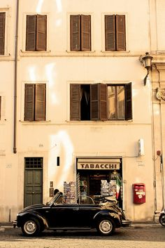 Pigna, Roma.   By ktoniko r., via Flickr