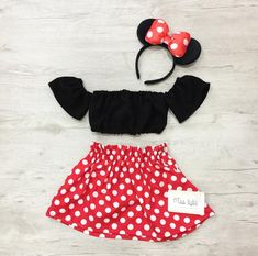 This Mickey mouse inspired shorts set is perfect for any little girl! Mickey Mouse Dress, Mickey Mouse Costume, Mini Mouse Outfit, Dress Up Costumes, Woman Costumes, Couple Costumes, Disney Costumes, Adult Costumes, Mermaid Costumes