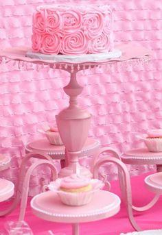 Tortenetagere-etagere-für-torten-tortenständer-rosa