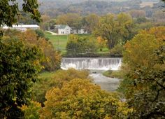 This Charming Minnesota Town Is Picture Perfect For An Autumn Day Trip