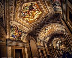 Passing through the corridors towards the big Sistine Chapel room. This tour was sponsored by Philips. . . . . #nofilter #sistinechapel #capellasistina #pldc2015 #pldc #vaticancity #vaticanstate #roma #rome #visitrome #visitroma #italia #italy #visititaly #visititalia #architecture #architectural #construction #art #artistic #architecturaldetails #architecturallighting #fluorescentlighting #interior #paintings #corridor #philips #nikond800 #nikontop #nikon