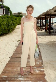 """Mamie Gummer Photos - Actress Mamie Gummer attends the """"Ricki and the Flash"""" photo call during Summer Of Sony Pictures Entertainment 2015 at The Ritz-Carlton Cancun on June 2015 in Cancun, Mexico. - Summer of Sony Pictures Entertainment 2015 - Day 5 Ricki And The Flash, Mamie Gummer, Sony Pictures Entertainment, Hollywood, Vanity Fair Oscar Party, Meryl Streep, Party Looks, Actors & Actresses, Jumpsuit"""