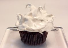 lisa is cooking: White Mountain Chocolate Cupcakes