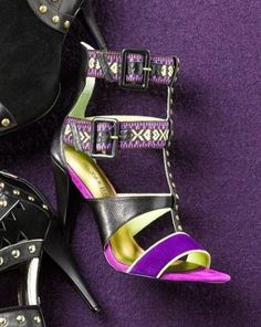 Perfect! Party sandal with bold colors and gorgeous embroidery