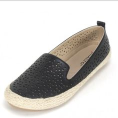 Rialto Sonia Black Flat Shoes New without box Rialto Sonia black flat shoes. All man made materials. Size 7M Rialto Shoes