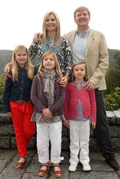 Queen Beatrix, Princess Maxima and Prince Willem-Alexander appear on The Netherland's inauguration memorabilia - hellomagazine.com