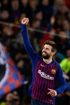 Barcelona's Spanish defender Gerard Pique celebrates with teammates after scoring during the UEFA Champions League round of second leg football match between FC Barcelona and Olympique Lyonnais. Fc Barcelona, Barcelona Players, Gerald Pique, Football Match, Football Team, Clever Dog, Messi And Ronaldo, Soccer Stars, Uefa Champions League