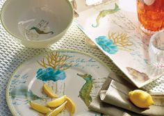 Infuse your alfresco dining with seaside spirit, thanks to our exclusive, shatterproof Sea Life Dinnerware and Serveware, which reproduce an original artwork.