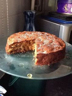apple and sultana cake Farmhouse apple and sultana cake @ .ukFarmhouse apple and sultana cake @ . Uk Recipes, Apple Cake Recipes, Baking Recipes, Sweet Recipes, Dessert Recipes, Cooking Apple Recipes, Apple Cakes, Moist Cake Recipes, Allrecipes Desserts