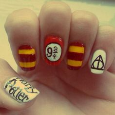Harry Potter nails - Nail Art Gallery - nail art of the deathly hallows, platform 3 / 4 and the gryffindor house colours! Dedicated to Potter heads. Harry Potter Nail Art, Harry Potter Nails Designs, Love Nails, Pretty Nails, Fun Nails, Garra, Nails Polish, Manicure Y Pedicure, Disney Nails