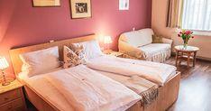 Empfehlungen Übernachten in der Wachau. Bed, Furniture, Home Decor, Decoration Home, Stream Bed, Room Decor, Home Furnishings, Beds, Home Interior Design