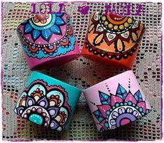 Macetas Pottery Painting, Dot Painting, Ceramic Painting, Ceramic Art, Clay Pot Crafts, Diy And Crafts, Arts And Crafts, Painted Clay Pots, Painted Flower Pots