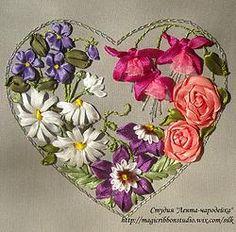 """Мастер-класс по вышивке лентами """"Милые сердцу цветы"""""""