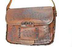 Womens Vtg Brown Handmade Leather Messanger, Shoulder, Satchel Handbag Purse – M Brown Satchel, Satchel Purse, Satchel Handbags, Leather Handbags, Crossbody Bag, Shoulder Purse, Leather Shoulder Bag, Leather Backpack, Leather Satchel