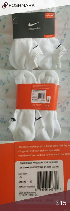 NIKE Performance Cushioned Soft Dry Socks 6 Pairs Moisture  - wicking cotton helps keep feet dry and comfortable.  Supportive fit with arch compression. Men's size. Nike Other