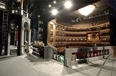 Considerado como una de las instituciones culturales más importantes de España, el Teatro Real es uno de los principales teatros de ópera a nivel internacional, acogiendo en su escenario a los mejores artistas líricos y escénicos del momento.