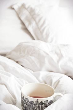 Cup of tea in bed, fresh white sheets and the sun pouring in. Best thing ever! Coffee In Bed, Coffee Love, Coffee Break, Morning Coffee, Coffee Cups, Tea Cups, Coffee Barista, Coffee Art, Chai