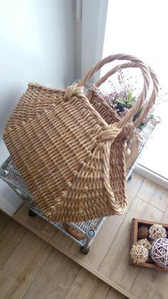 Paper Basket, Basket Bag, Rattan, Wicker, Stella Bag, Newspaper Crafts, Market Baskets, Art Bag, Rope Shelves