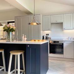 Grey Kitchen Diner, Navy Kitchen Cabinets, Grey Shaker Kitchen, Open Plan Kitchen Diner, Two Tone Kitchen, Kitchen Island, Grey Kitchen Inspiration, Open Plan Kitchen Dining Living, Howdens Kitchens