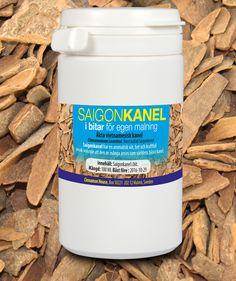 Äkta Vietnamesisk Saigon kanel (Cinnamomum loureiroi) från Quáng Ngai provinsen i Vietnam .  Saigon kanel innehåller 1-5% eteriska oljor och 25% kanelaldehyd som är det högsta av alla kanelkryddor.  Äkta Saigon kanel är den dyraste av alla kanelkryddor o