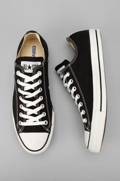 Converse Chuck Taylor All Star Low Top Sneaker in Black Converse Outfits, Converse All Star, Converse Black Sneakers, Black Low Top Converse, Cheap Converse, Black Chucks, Converse Classic, Converse Low Tops, All Star Shoes