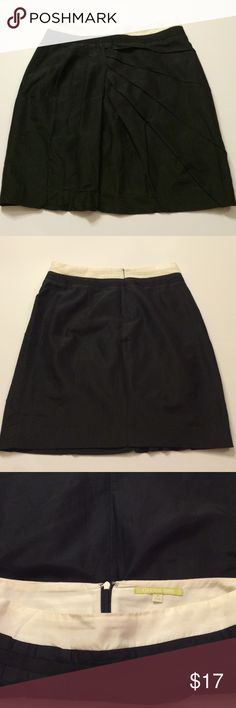 Navy and cream Gianni Bini skirt Navy and cream Gianni Bini skirt• knee length• stitching on the front adds a little flair• size 2 Gianni Bini Skirts A-Line or Full