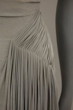 86: A Madame Grès couture dove-grey silk jersey gown, e : Lot 86