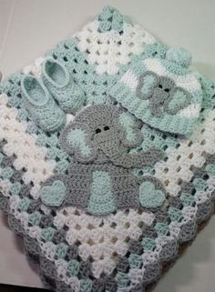baby gifts set Green and White Sitting Elephant Baby Blanket Gift Set / Crochet Baby Gift Set / Baby Shower Gift Set / Elephant Theme Gift Elephant Baby Blanket, Elephant Applique, Baby Boy Crochet Blanket, Crochet Elephant, Elephant Theme, Baby Boy Blankets, Crochet Blanket Patterns, Crochet Baby, Crocheted Baby Blankets