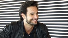 Rodrigo Santoro affianca Will Smith in Focus Rodrigo Santoro, Stephen James, Michael Fassbender, Actor Keanu Reeves, People Doing Stupid Things, Many Men, Smile Because, Hair And Beard Styles, Male Face