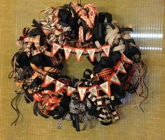 3 Monkeys throwing around some....PAPER!!!: Stampin' Up Halloween Wreath Using Designer Series Paper and the Petite Pennants Builder Punch... Michelle Rocks!!