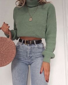 Best Women Jeans Cargo Jeans Black Jeans Brown Boots Black Jeans Outfit - Lilly is Love Teenage Outfits, Winter Fashion Outfits, Fall Winter Outfits, Autumn Fashion, Early Fall Outfits, Fall Outfits For School, Fashion Clothes, Cute Casual Outfits, Retro Outfits