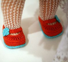 Ravelry: cataddict's happy Easter egg surprise shoe pattern
