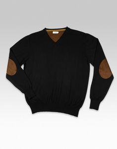 Jersey negro liso pero elegante. Coderas y cuello de pico para hacerlo ¡perfecto!