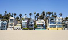 California's Hot, Hot Market: Vacation Beach Homes -- A look at some of our state's favorite coastal areas show mostly price gains and strong sales