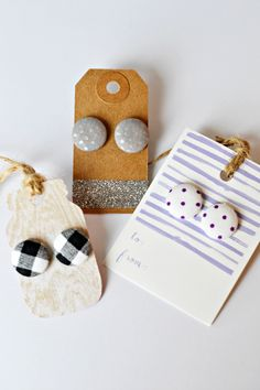 LOVE these fabric covered button earrings! https://www.facebook.com/craftychicksknox/