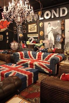 I kind of like the Union Jack chesterfield. Don't hate… I kind of like the Union Jack chesterfield. Interior Room, Interior And Exterior, Design Interior, Interior Decorating, Design Café, House Design, Design Ideas, Design Room, Design Styles