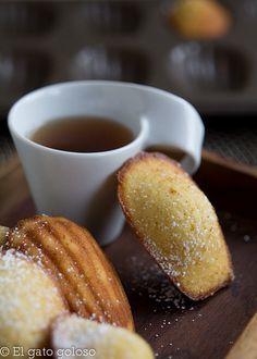 Madeleines de limón by mavele, via Flickr