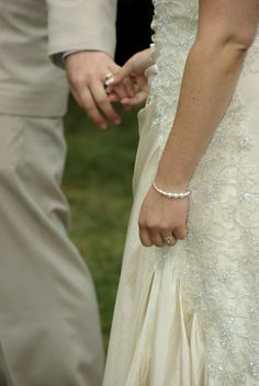 Wedding photography idea- holding hands