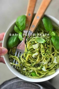 Classic pesto pasta with fresh basil, pine nuts and parmesan cheese. Ready in 20 minutes so one of my best last minute dinner ideas! Vegetarian Recipes Easy, Veggie Recipes, Dinner Recipes, Cooking Recipes, Healthy Recipes, Dinner Ideas, Cooking Ideas, Basil Pesto Pasta, Pesto Pasta Recipes