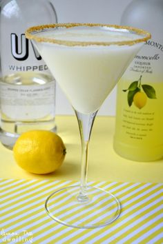 Lemon Meringue Martini - Limoncello and whipped cream-flavored vodka join forces (link doesn't go anywhere, going to have to test pour) guessing whipped vodka, lemoncello & half n half with lemon sugar rimmed glass Party Drinks, Cocktail Drinks, Cocktail Recipes, Alcoholic Drinks, Drink Recipes, Uv Vodka Recipes, Martini Party, Dessert Recipes, Gastronomia