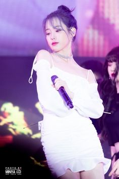 💘💓 Pretty in white👩�🤩 ______🌸_________ ©�photos owner� . Iu Twitter, Fandom Kpop, Iu Fashion, Love Poems, Girls In Love, Pretty Girls, Hair Humor, Korean Singer, Kpop Girls