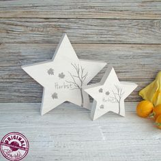 These beautiful wooden stars in white wooden, about 3 cm thick with the words Wood Crafts Furniture, Scrap Wood Crafts, Scrap Wood Projects, Wooden Crafts, Christmas Star, Xmas, Christmas Ornaments, Christmas Decorations, Fall Crafts