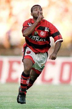Romário, outro dos craques do Maracanã, em 1997REUTERS
