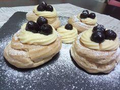 Zeppole di San Giuseppe al forno con pasta choux. Cookers, Cheesecake, Pasta, Desserts, Food, Tailgate Desserts, Deserts, Cheesecakes, Essen