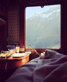 In cabin breakfast view of the Swiss Alps, Orient Express . Train Tracks, Train Rides, Train Trip, Venice Simplon Orient Express, Trains, Train Journey, Luxury Travel, Travel Style, Adventure Travel